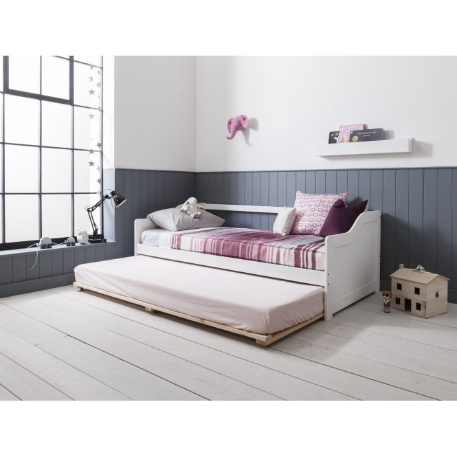 Esben Day Bed with Pull out Trundle in Classic White