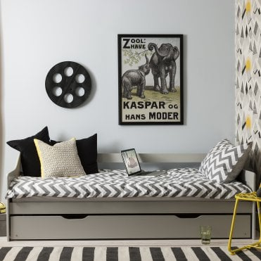 Hove Day Bed in Silk Grey with Pull out Trundle