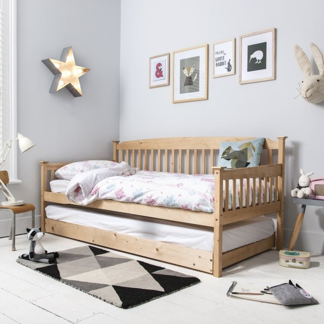 Isabella Day Bed in Natural with Pull out Trundle