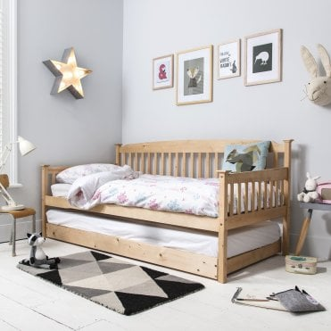 Isabella Day Bed in Natural with Pullout Trundle