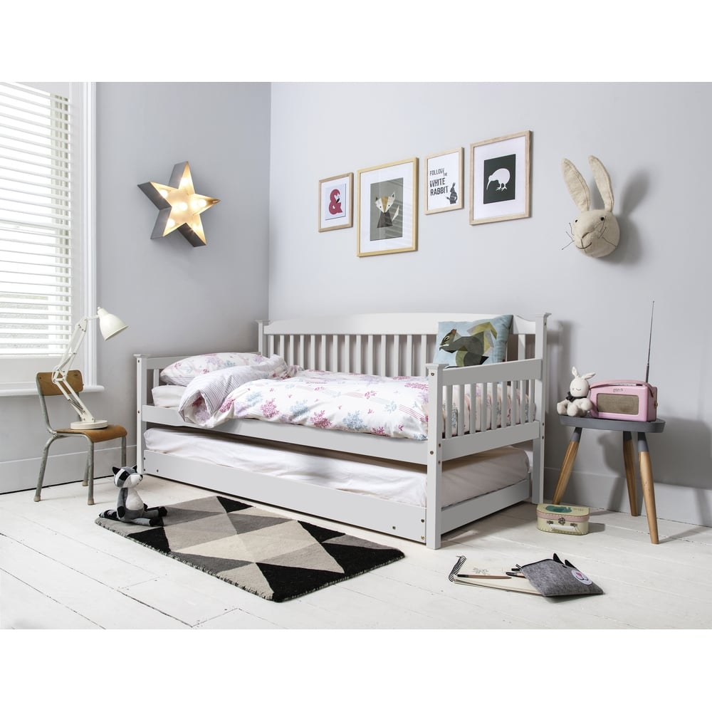 Isabella Day Bed With Pull Out Trundle In White Noa Amp Nani