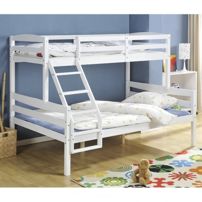 hastings triple bunk bed in white nao nani. Black Bedroom Furniture Sets. Home Design Ideas