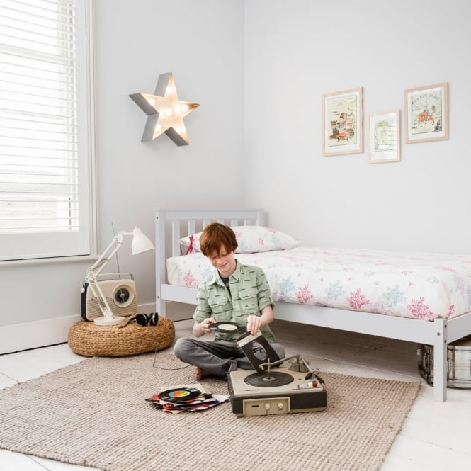 Noa and Nani Winchester Single Bed in White
